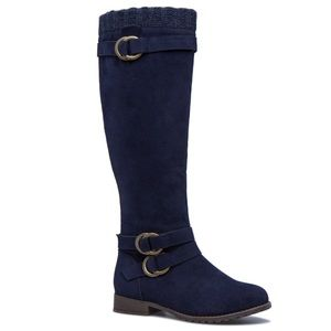 Lovely Brand New Navy Boots